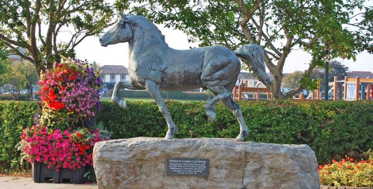 Y Celfryn - The bronze